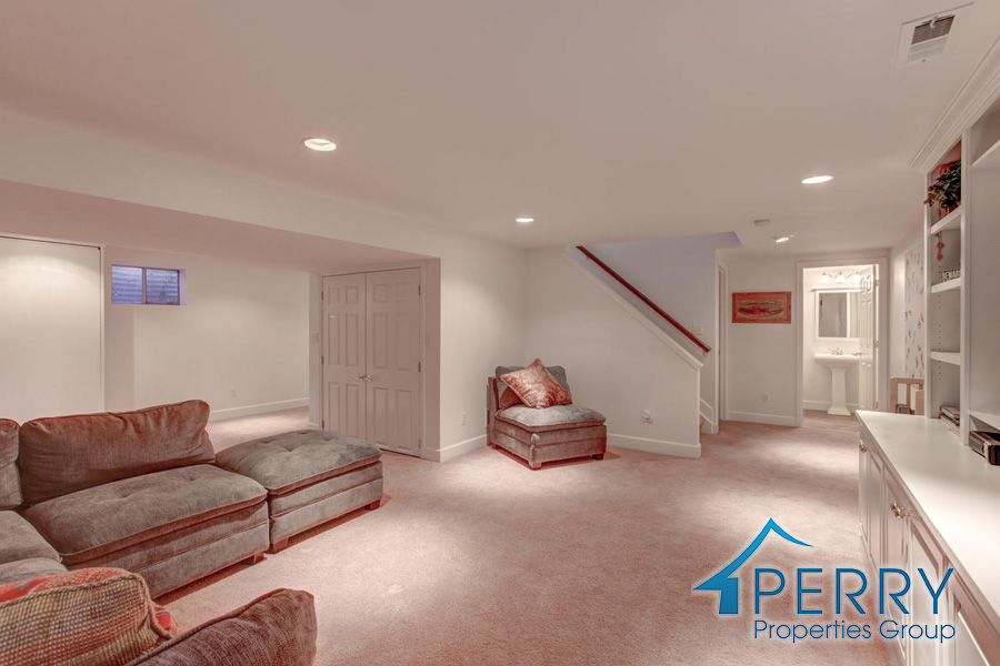 5153 W Fair Ave Littleton CO-large-006-34-Lower Family Room-1500x1000-72dpi