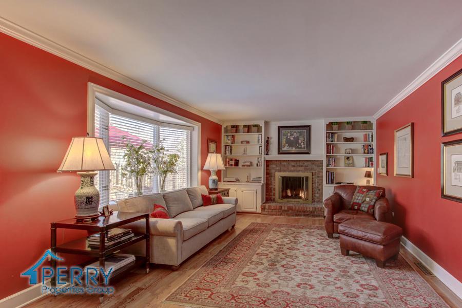 5153 W Fair Ave Littleton CO-large-008-41-Family Room-1500x1000-72dpi