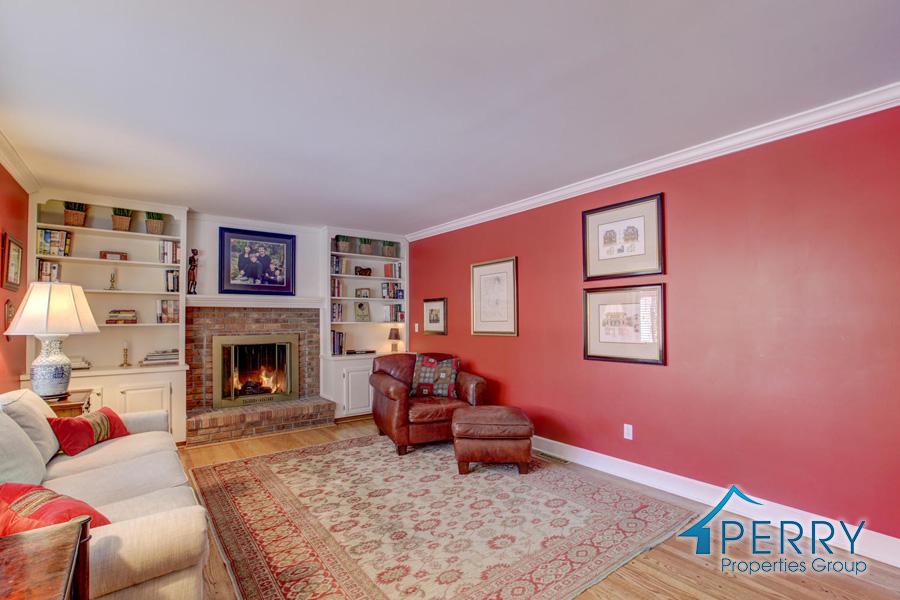 5153 W Fair Ave Littleton CO-large-009-42-Family Room-1500x1000-72dpi