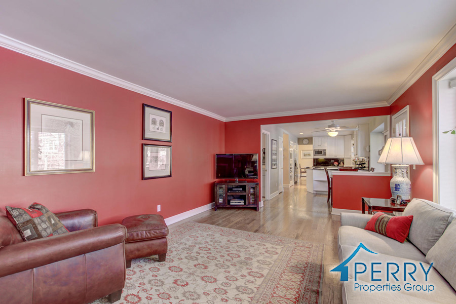 5153 W Fair Ave Littleton CO-large-010-1-Family Room-1500x1000-72dpi