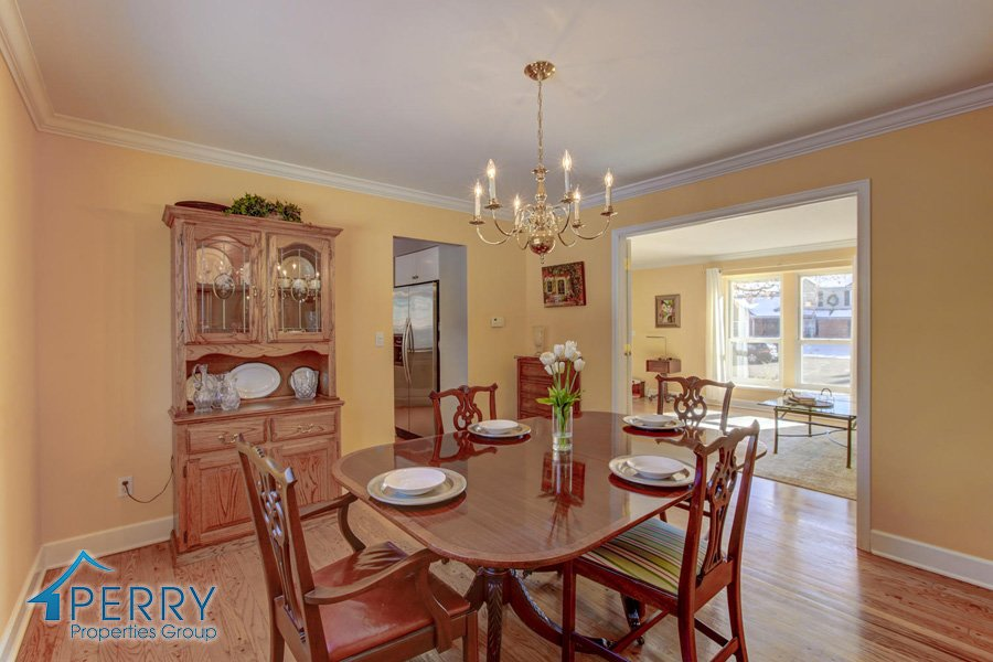 5153 W Fair Ave Littleton CO-large-020-28-Dining Room-1500x1000-72dpi