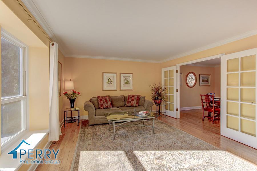 5153 W Fair Ave Littleton CO-large-021-3-Living Room-1500x1000-72dpi