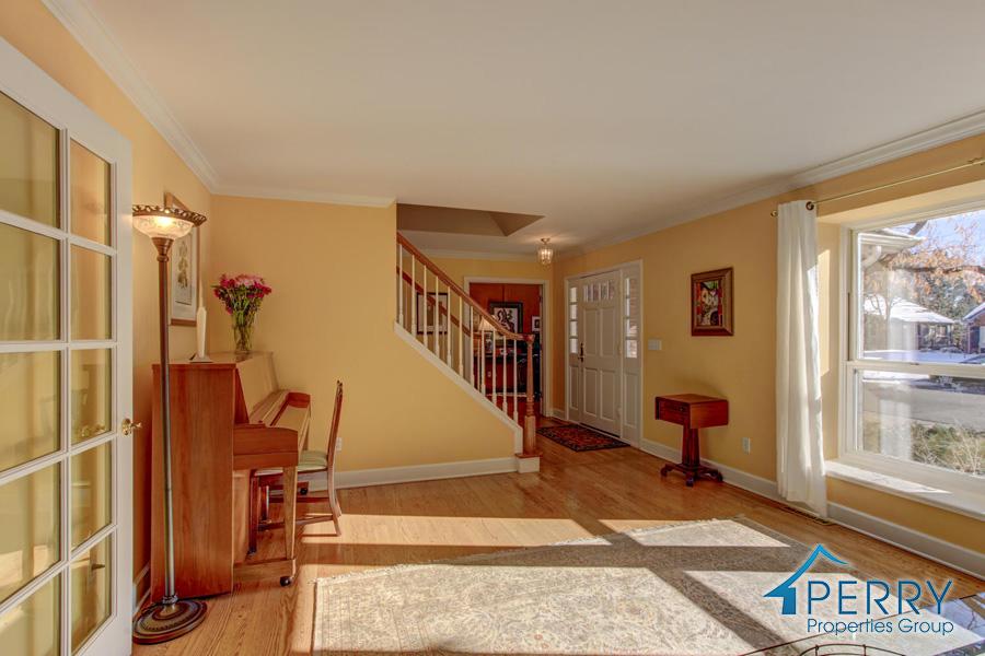 5153 W Fair Ave Littleton CO-large-023-17-Living Room-1500x1000-72dpi