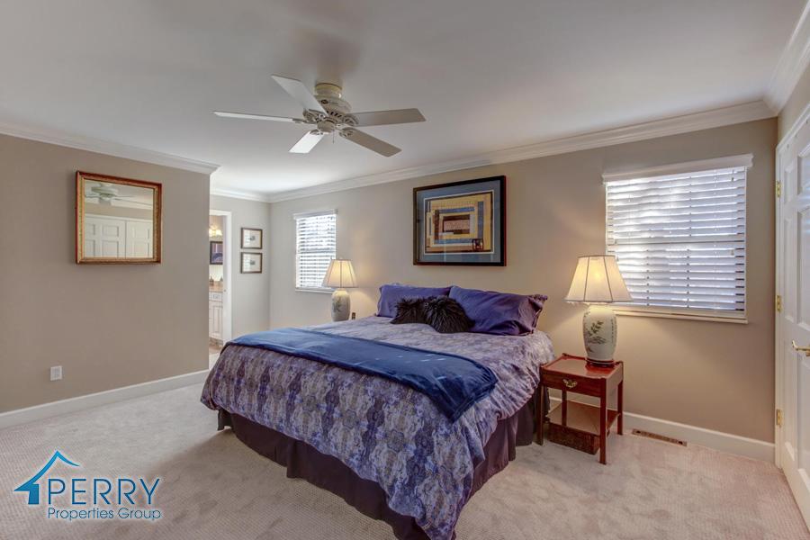 5153 W Fair Ave Littleton CO-large-035-19-Master Bedroom-1500x1000-72dpi