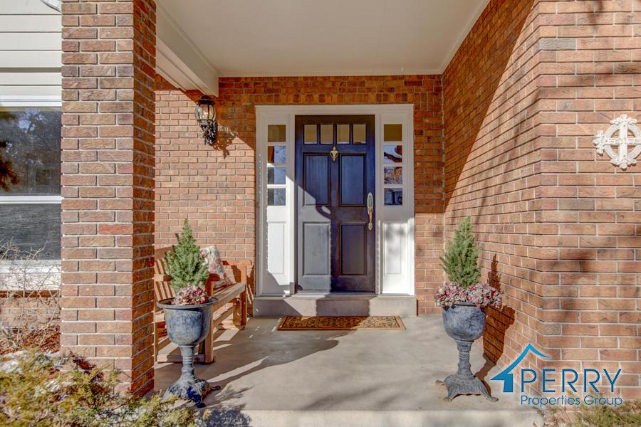 5153 W Fair Ave Littleton CO-large-050-43-Front Porch-1500x1000-72dpi