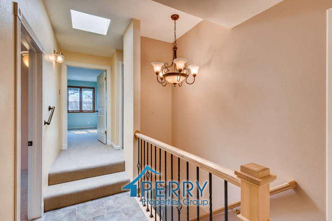 42 Eagle Drive, Littleton - hallway